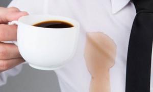 Как вывести пятна от кофе с любого материала: 8 способов
