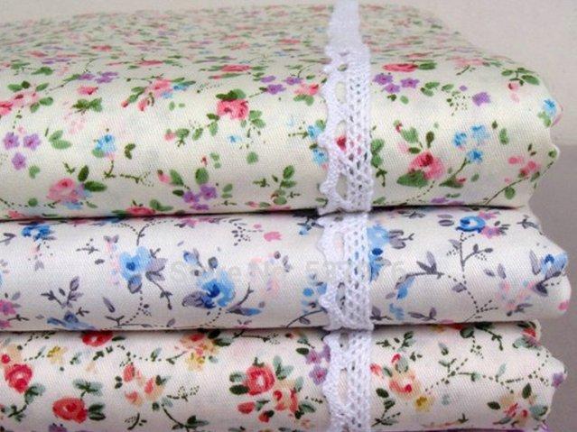 Ткань с цветами на белом фоне