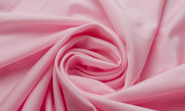 Нежно розовая материя