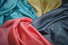 Материал разных цветов