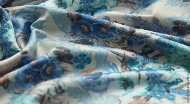 Принтованный сатин, синие цветы на белом фоне