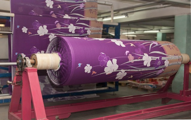 Производство атласной ткани