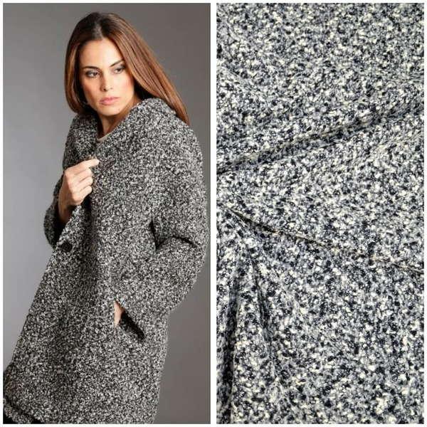 Девушка в пальто из ткани букле