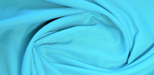 Батист голубого цвета