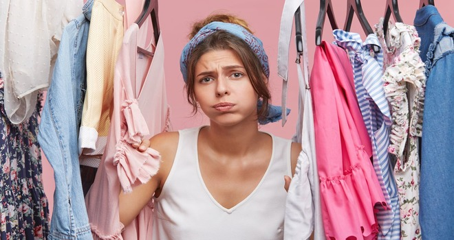 Девушка и одежда