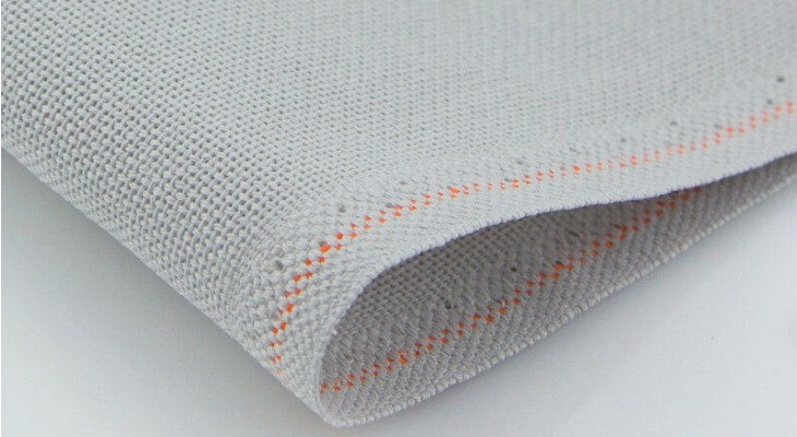Кромка ткани канва
