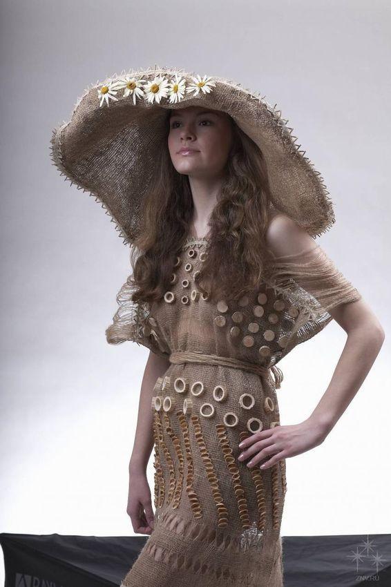 Платье из мешковины