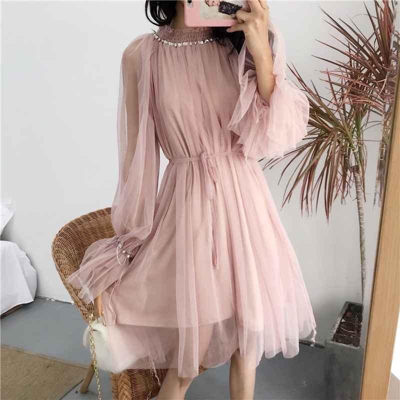 Платье из ткани фатин