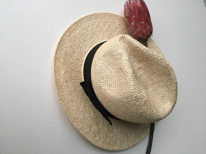шляпка сизалевая